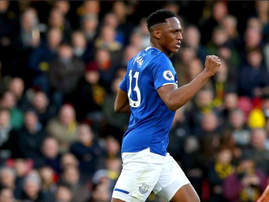 Walcott strike secures last-gasp win for Everton over Watford