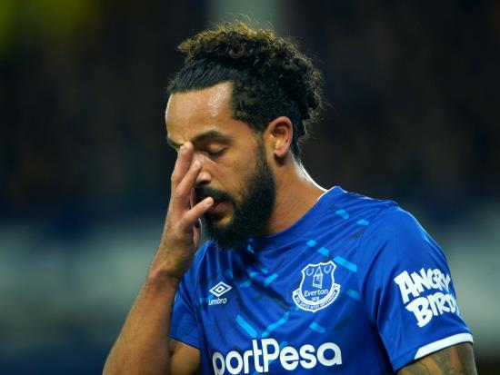 Everton vs Manchester United - Walcott could return for Everton against United