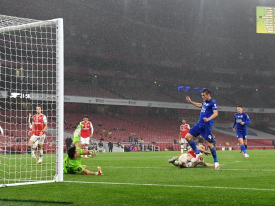 Arsenal 1 - 1 Leicester City: Late Jamie Vardy strike earns Leicester point at 10-man Arsenal