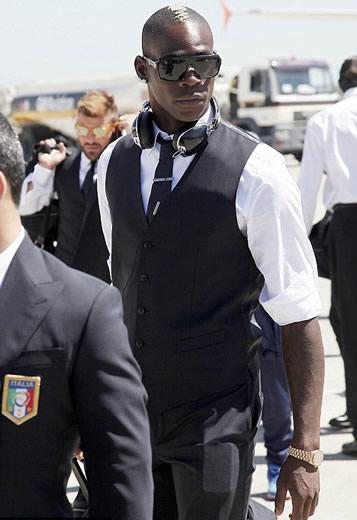 Meet Barwuah Balotelli: Italy striker to wear both family ...