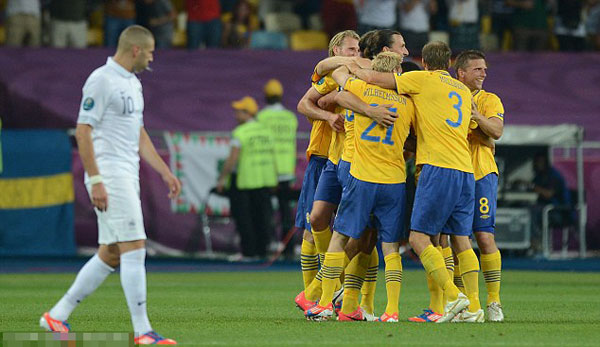 Sweden 2 France 0: Ibra-cadabra! Zlatan magic condemns Les Bleus to Spain clash