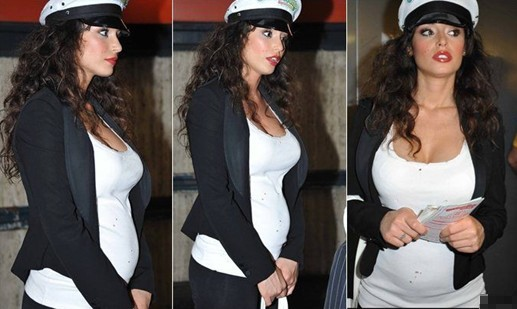 Is possible pregnancy? Mario Balotelli's ex-girlfriend stomach sticks out a little bit