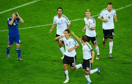 Germany 4 Greece 2: Sparkling Germans a step Klose to the prize
