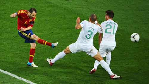 Portugal pay the penalty as Spain win