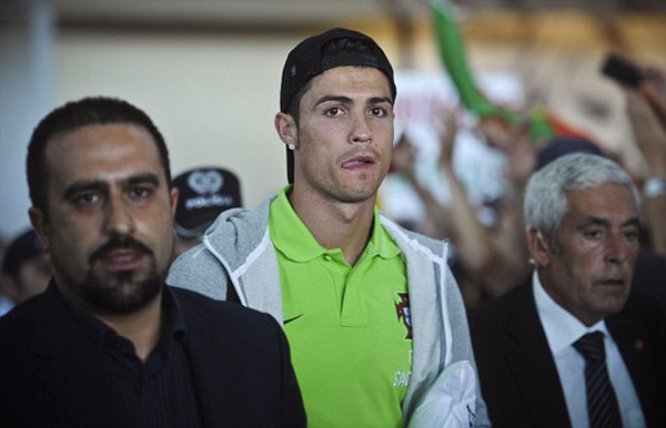 I'm no bottler, says Ronaldo as Portugal touch down to heroes' welcome