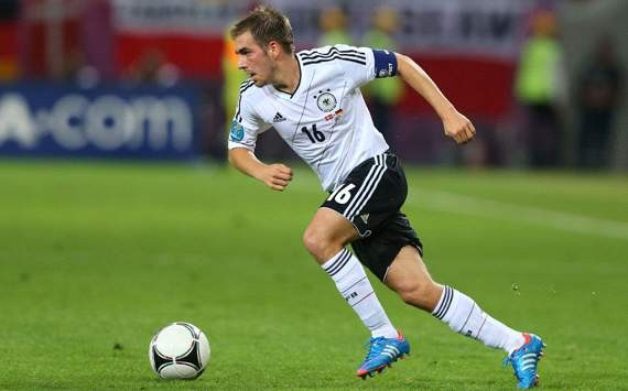 Lahm rues 'dumb' Germany mistakes in defeat to Italy