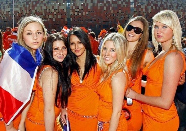 The sexy female fans in Euro 2012