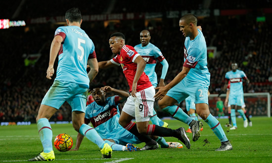 Manchester United 0 - 0 West Ham United: Manchester United booed off after goalless draw against West Ham