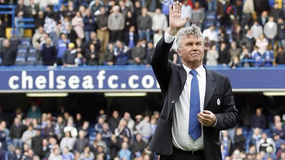 Chelsea manager Guus Hiddink 'in favour' of quickly hiring new boss