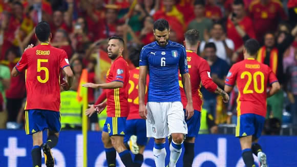 Ventura defends Italy tactics after Spain defeat