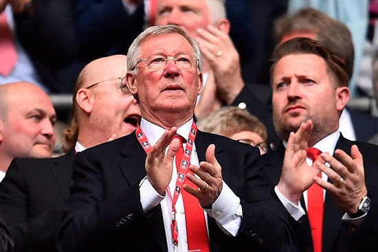 Manchester United news: Sir Alex Ferguson hoping to make Old Trafford return next month