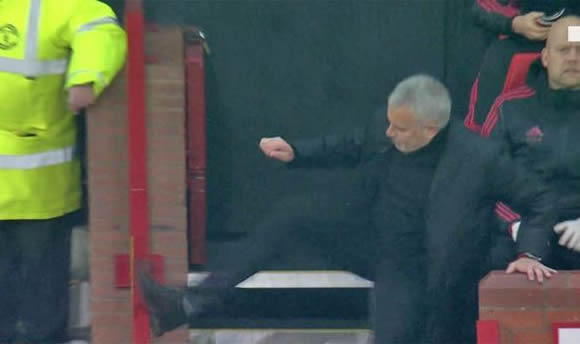 Jose Mourinho SCARES Man Utd fan by KICKING wall - Manager apologises brilliantly