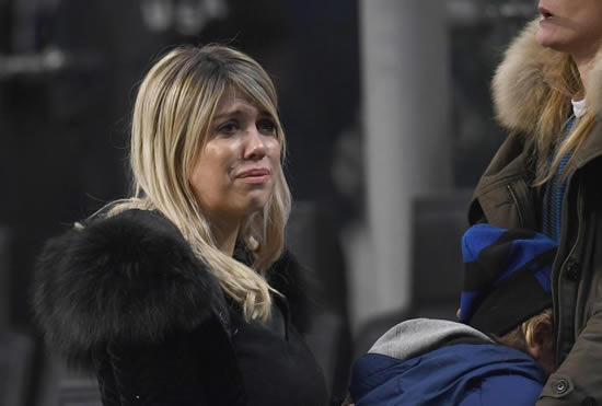 Wandabawl mauro icardis wife wanda looks distraught in stands as
