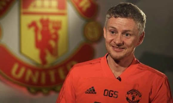 Man Utd boss Ole Gunnar Solskjaer aims dig at Jose Mourinho in first official interview