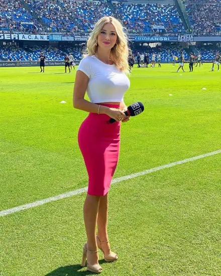 FINGER WAG Stunning Italian TV presenter Diletta Leotta wags finger and puts thumbs down as Napoli fans chant 'get your t*** out'