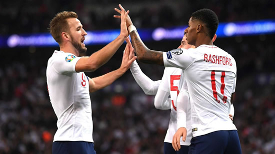 Ruthless England move on from Sterling row in stunning style