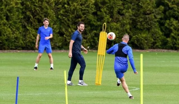 Frank Lampard sends transfer message as Chelsea manager targets four new signings