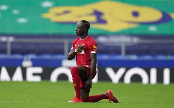 Sadio Mane Completely Forgets About Taking A Knee And Runs Down Wing